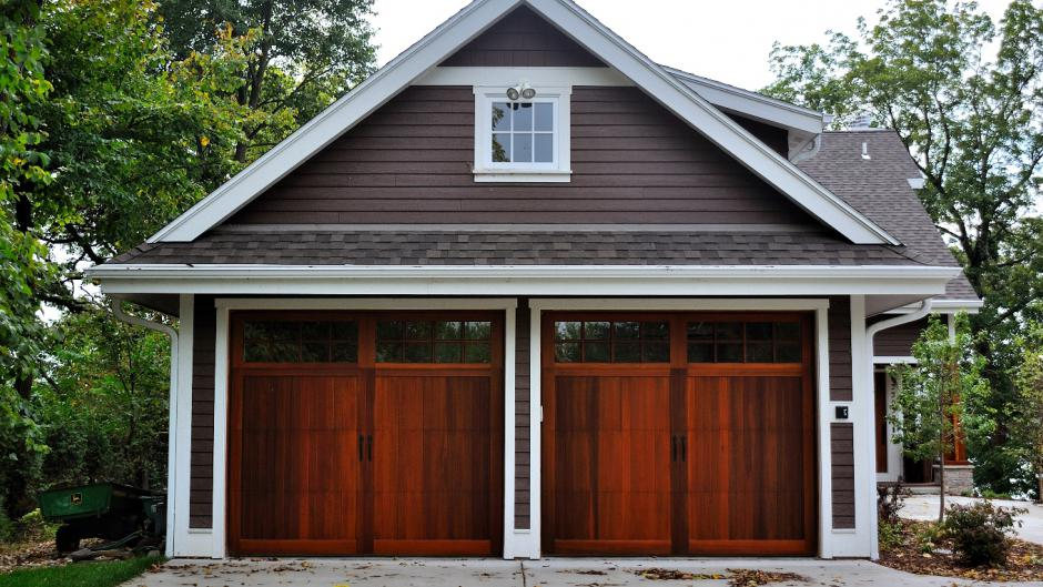 faux wood carriage house door